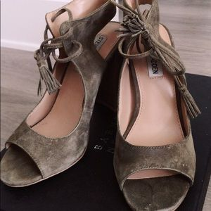 8eabf03a621 Steve Madden Shoes - Steve Madden Charlea Block Heel Sandal